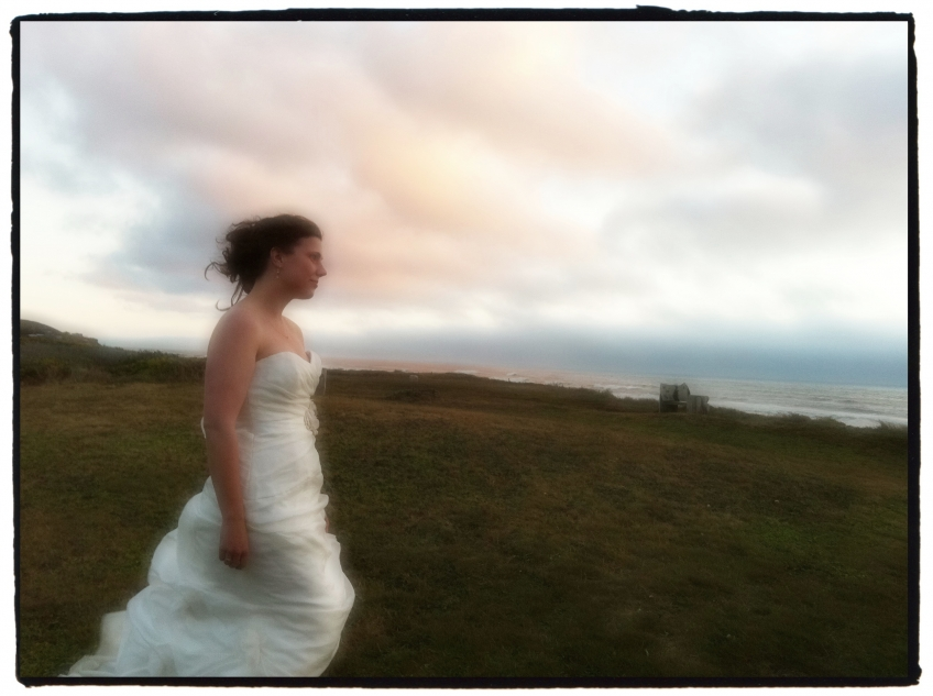 Bride Wedding at Cape Perpetua iPhone Photographer