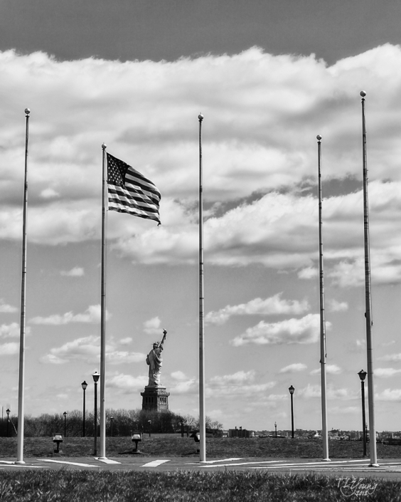 Statue of Liberty in New-York from New Jersey in Black & White by Photographer Tamara Young